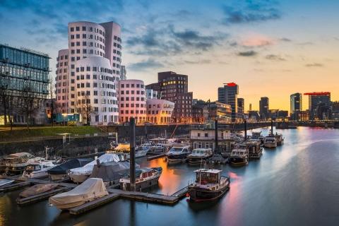 Escort Düsseldorf - Skyline im Sonnenuntergang