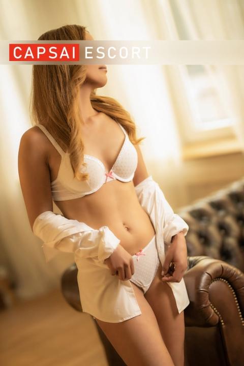 escort lisa 21 480x720 - Lisa